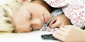 o-SMART-PHONE-AND-SLEEP-facebook